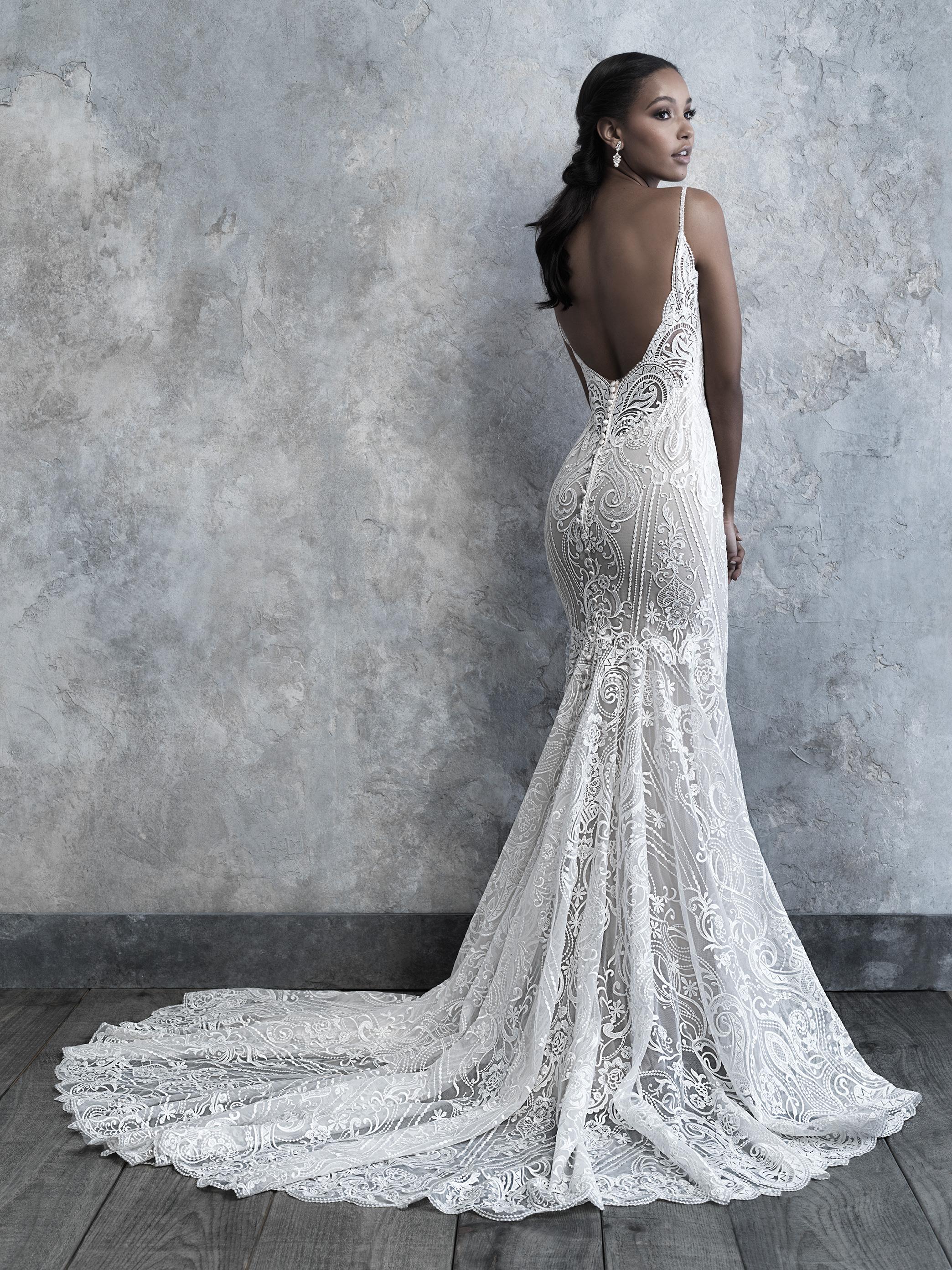 Spaghetti Strap V Neck Scrolled Lace Sheath Wedding Dress