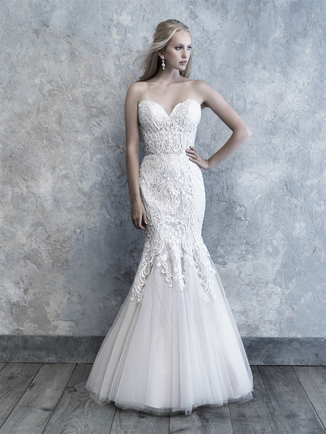 Strapless Sweetheart Neckline Lace And Tulle Wedding Dress