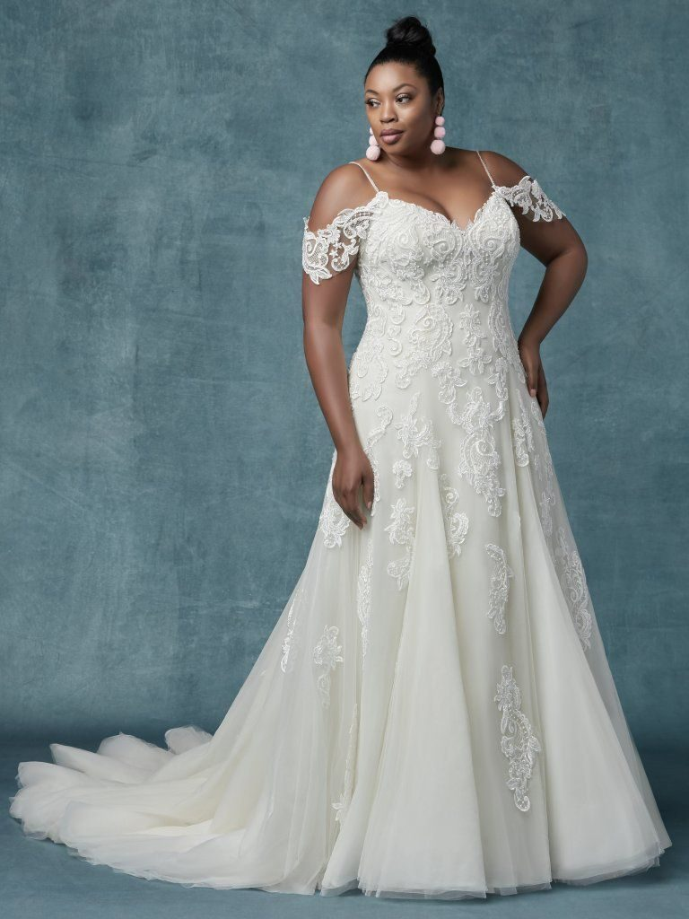 8 Size-Inclusive Wedding Dresses You\'ll Absolutely Swoon ...