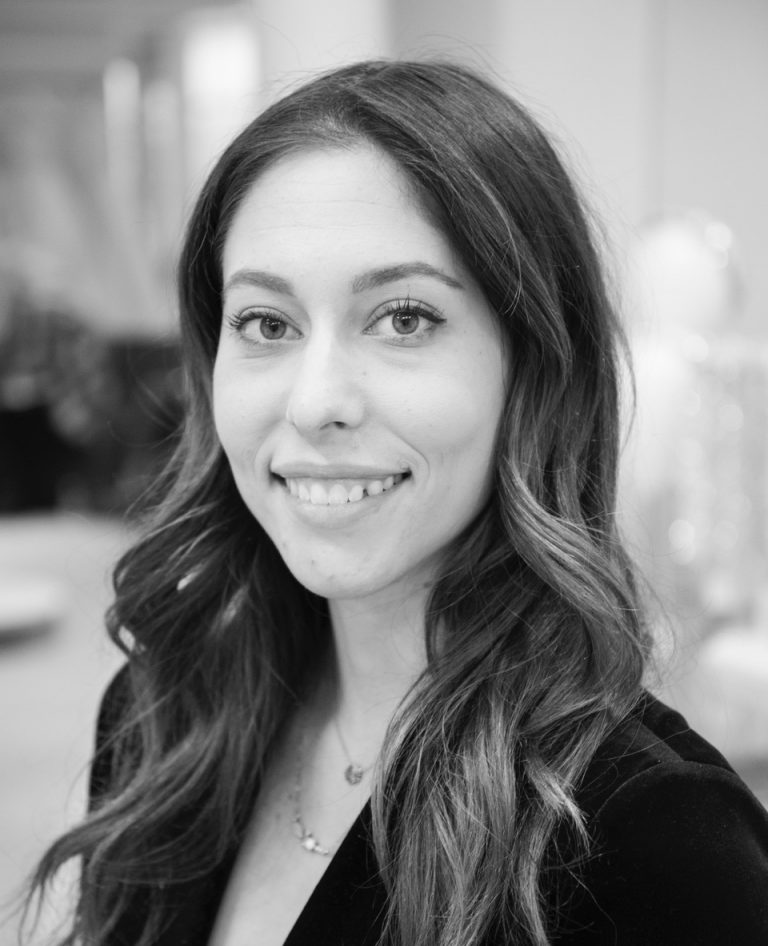 Samantha—Accessories Consultant