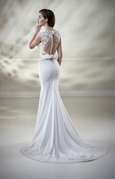 Embroidered Lace Bodice Fitted Skirt Wedding Dress by Maison Signore - Image 2