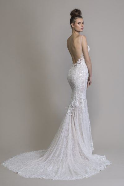 l'ultimo 72d6f 7e92d Sheath Embellished Wedding Dress With Chantilly Lace | Kleinfeld ...