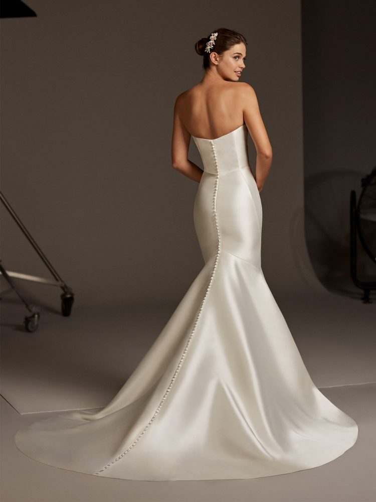 Strapless Silk Mermaid Wedding Dress by Pronovias - Image 2