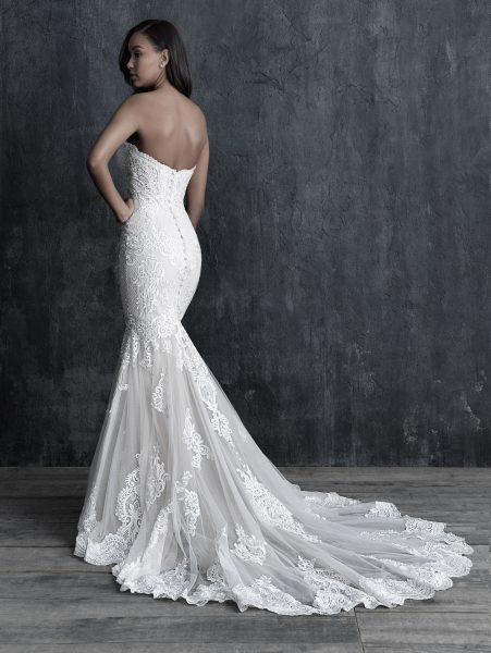 Fit And Flare Sweetheart Lace Wedding Dress by Allure Bridals - Image 2
