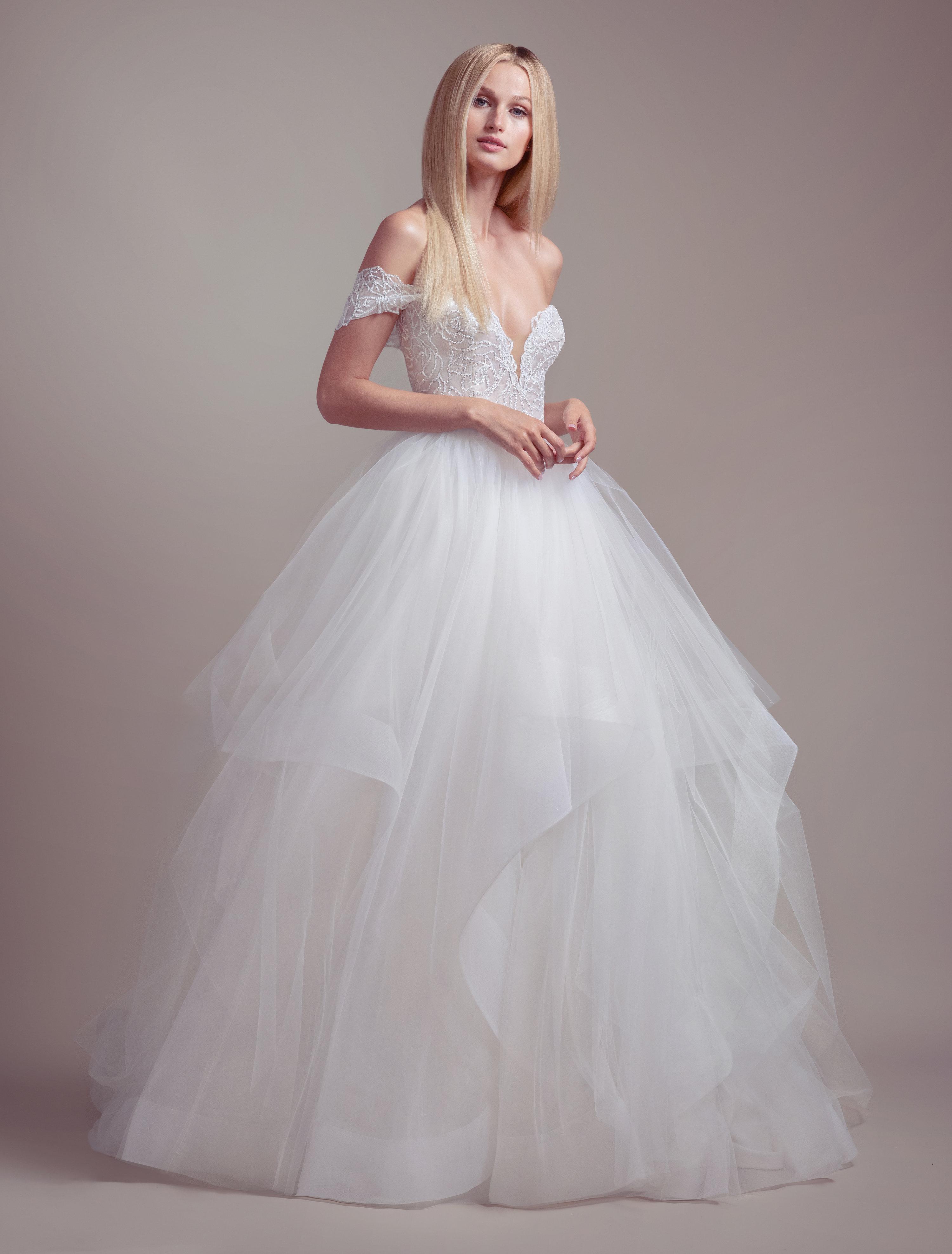 Strapless Tulle Skirt Ball Gown Wedding Dress