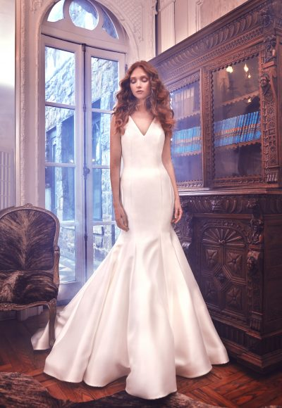 Simple Silk V-neck Wedding Dress by Sareh Nouri
