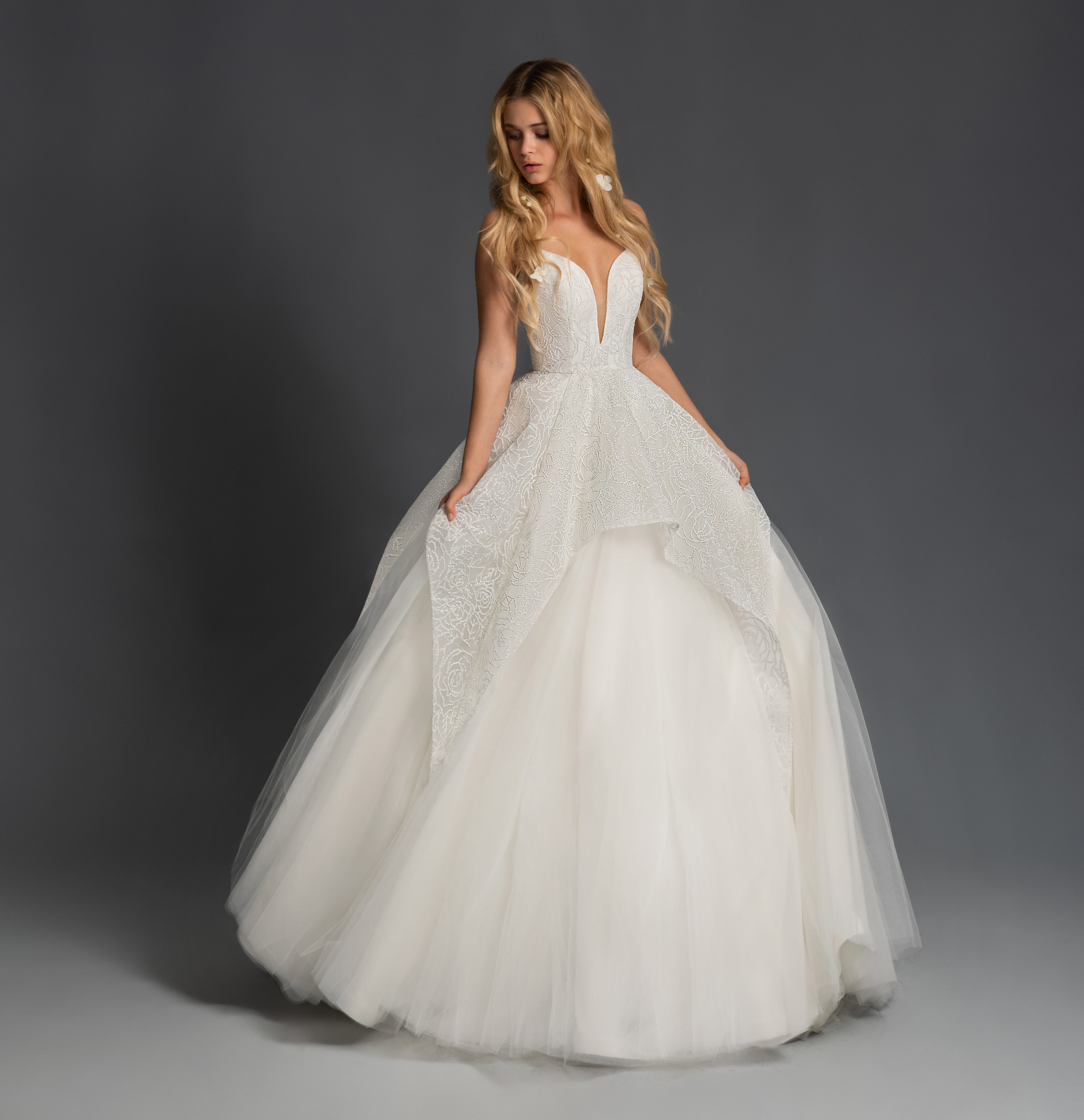 Spaghetti Strap Tiered Tulle Ball Gown Wedding Dress
