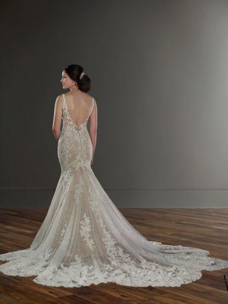 V-neck beaded lace wedding dress by Martina Liana - Image 3