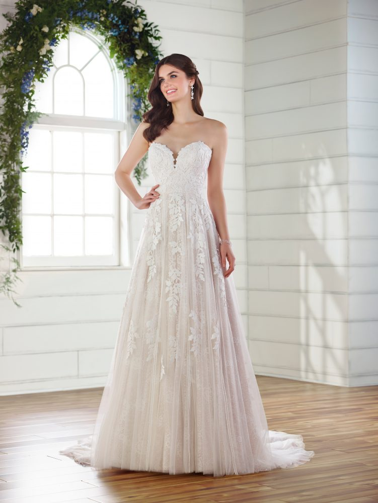 Strapless sweetheart A-line wedding dress by Essense of Australia - Image 1
