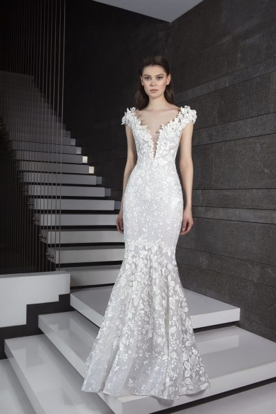 Mermaid V-neck Wedding Dress by Tony Ward - Image 1