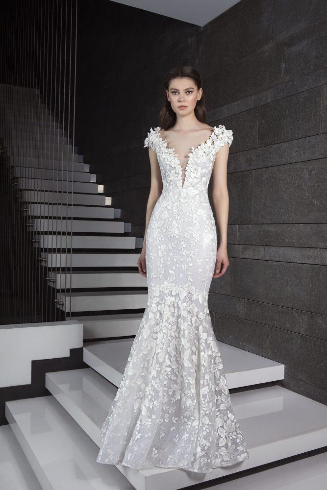 Mermaid V-neck Wedding Dress by Tony Ward - Image 1