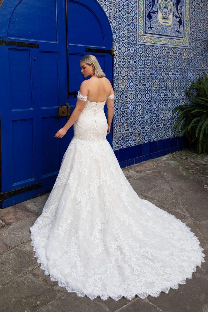 Off-the-shoulder sweetheart neckline lace mermaid wedding dress by Pronovias x Kleinfeld - Image 2