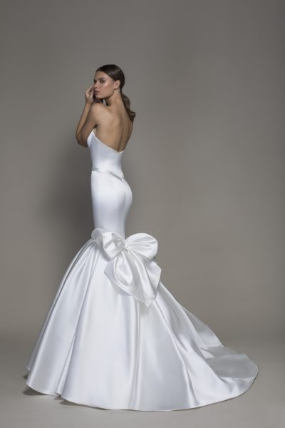 Strapless V-neckline Satin Mermaid Wedding Dress With Bow by Pnina Tornai - Image 2