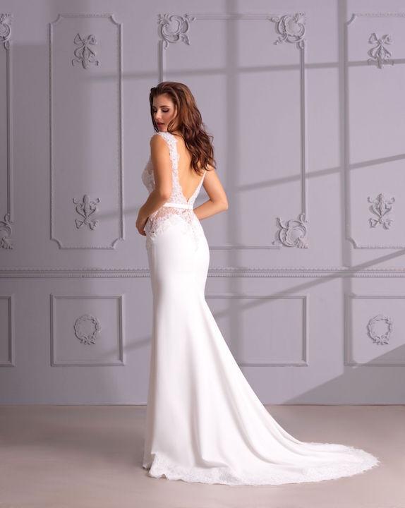 V-Neck Sleeveless Mermaid Wedding Dress With Lace Bodice by Maison Signore - Image 2