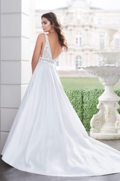 Sleeveless V-Neck Ballgown Wedding Dress With Lace Bodice by Paloma Blanca - Image 2