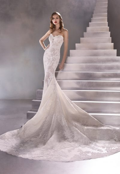 Strapless Sweetheart Mermaid Wedding Dress With Scalloped Train by Pronovias