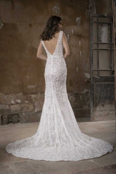 Deep V-Neck Sleeeveless Mermaid Wedding Dress With Floral Appliques by Tony Ward - Image 2