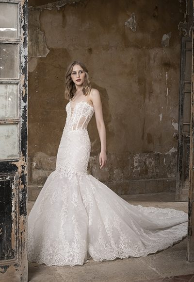 Sweetheart Strapless Mermaid Lace Wedding Dress by Tony Ward