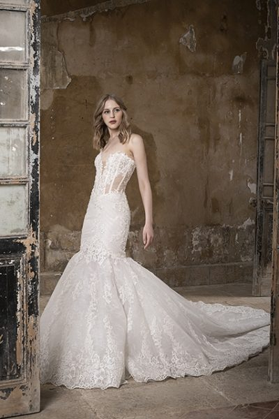 Sweetheart Strapless Mermaid Lace Wedding Dress by Tony Ward - Image 1