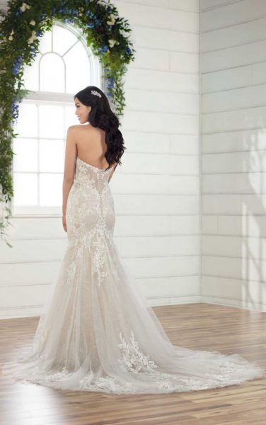 Strapless Sweetheart Fit And Flare Lace Wedidng Dress by Essense of Australia - Image 2