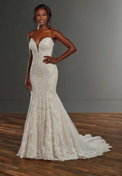 Strapless Fit And Flare Lace V-neck Wedding Dress by Martina Liana
