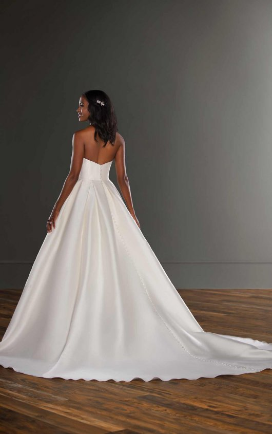 V-neck Silk Ball Gown Wedding Dress by Martina Liana - Image 2
