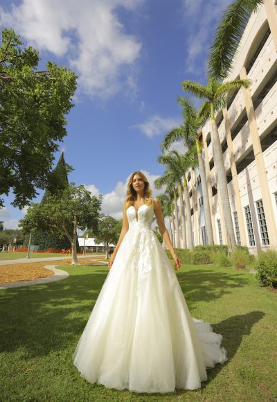 Sleeveless Tulle Ball Gown Wedding Dress by Randy Fenoli