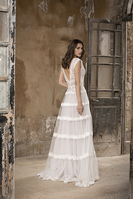 Sleeveless V-neckline A-line Wedding Dress With Lace And Glitter by Tony Ward - Image 2