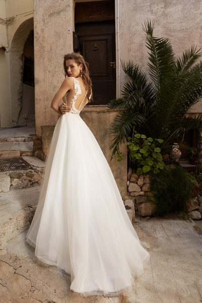 Sleeveless A-line Wedding Dress With Lace Embroidery by Vanilla Sposa - Image 2