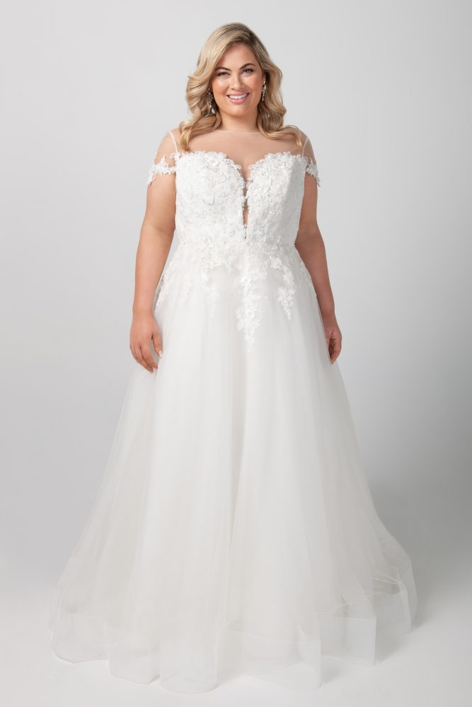 Short Sleeve Illusion Neckline Applique Bodice With Tulle Skirt Wedding Dress by Michelle Roth - Image 1