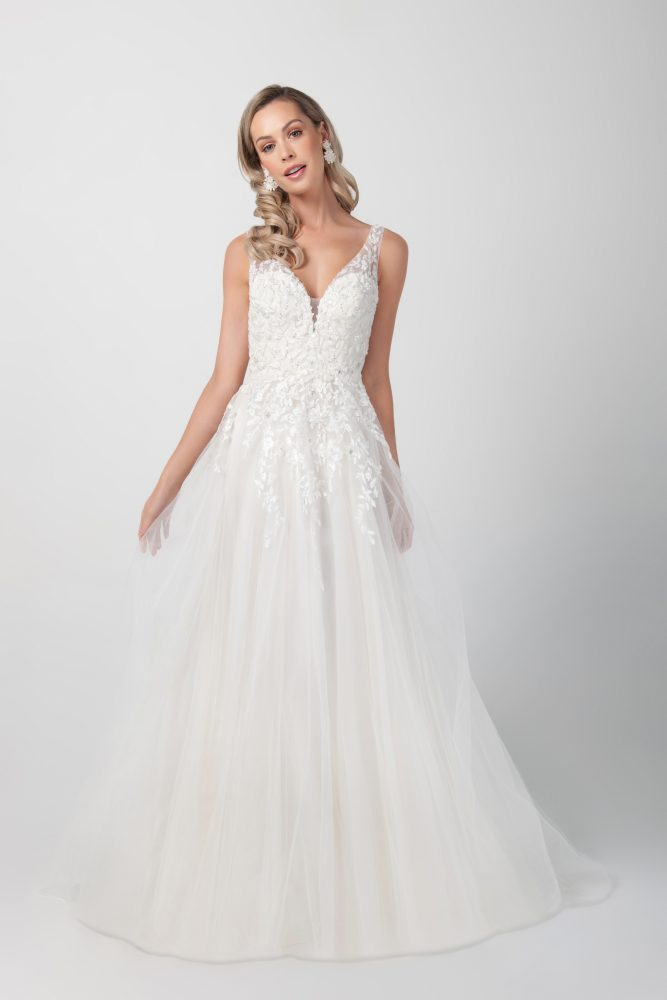 Sleeveless Beaded Applique A-line Wedding Dress by Michelle Roth - Image 1