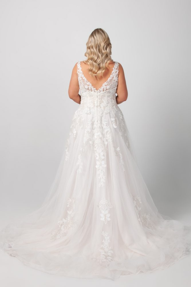 Sleeveless V-neck Beaded Lace A-line Wedding Dress by Michelle Roth - Image 2