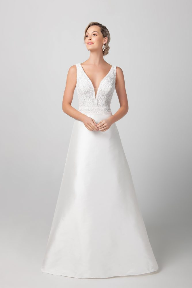Sleeveless V-neckline With Miakdo Skirt A-line Wedding Dress by Michelle Roth - Image 1