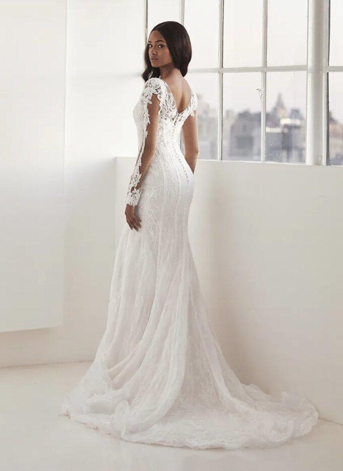 Long Sleeve V-neck Mermaid Wedding Dress by Pronovias - Image 2