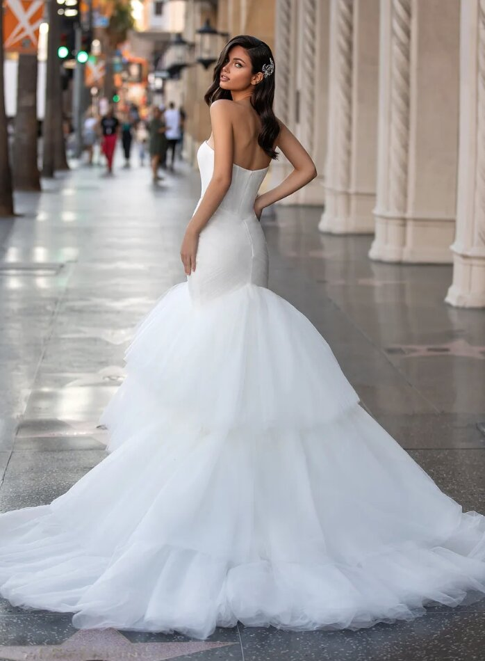 Mermaid Wedding Dress With Sweetheart Neckline by Pronovias - Image 2