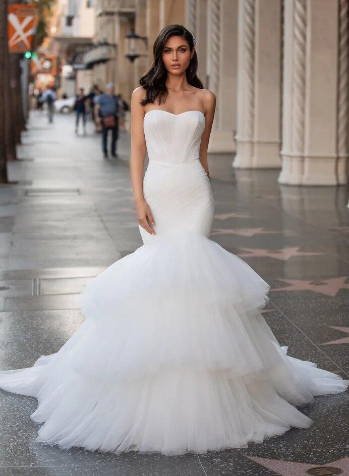 Mermaid Wedding Dress With Sweetheart Neckline by Pronovias - Image 1