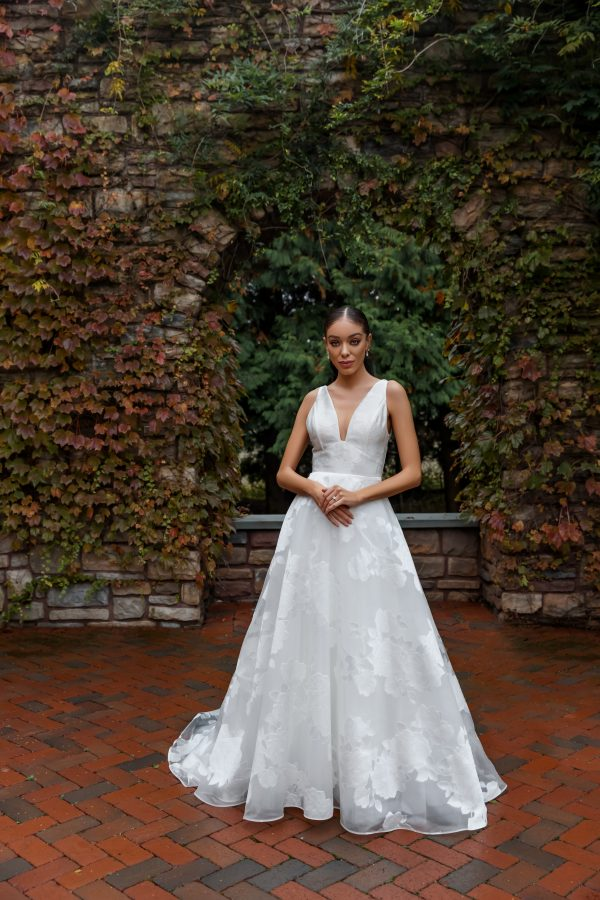 Sleeveless V-neck A-line Wedding Dress by Nouvelle Amsale - Image 3