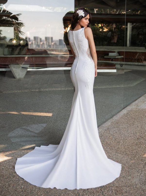 Mermaid Wedding Dress In Crepe With A V-neck by Pronovias - Image 2