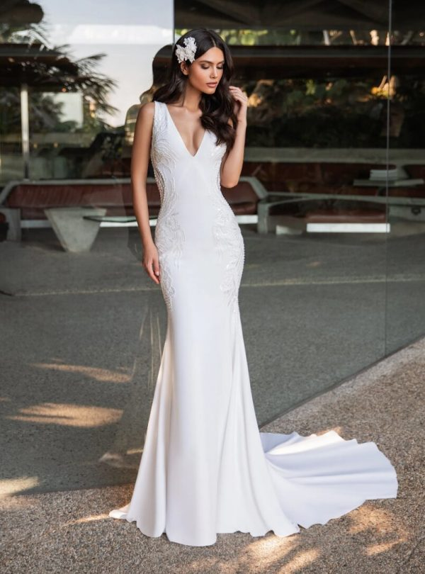 Mermaid Wedding Dress In Crepe With A V-neck by Pronovias - Image 1