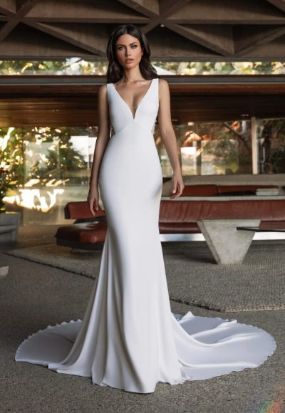 Mermaid Wedding Dress In Crepe With V-neck by Pronovias