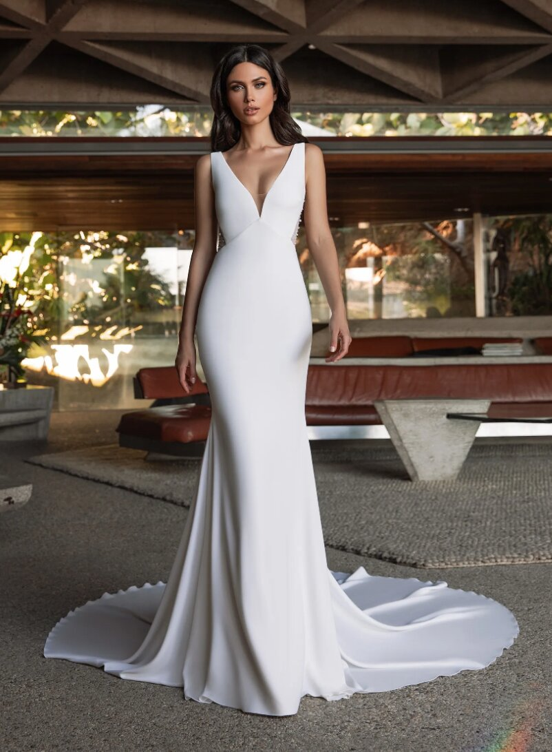 Mermaid Wedding Dress In Crepe With V-neck