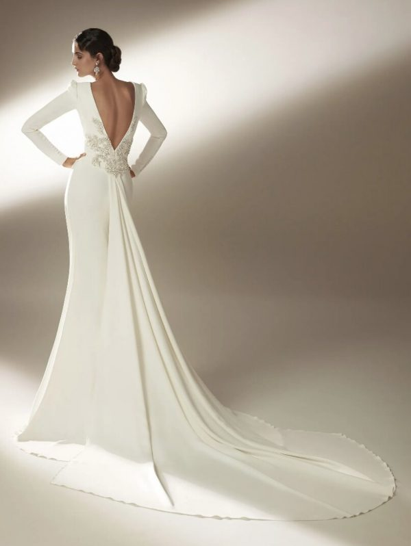 Mermaid Wedding Dress With Bateau Neckline And Long Sleeves In Crepe by Pronovias - Image 2