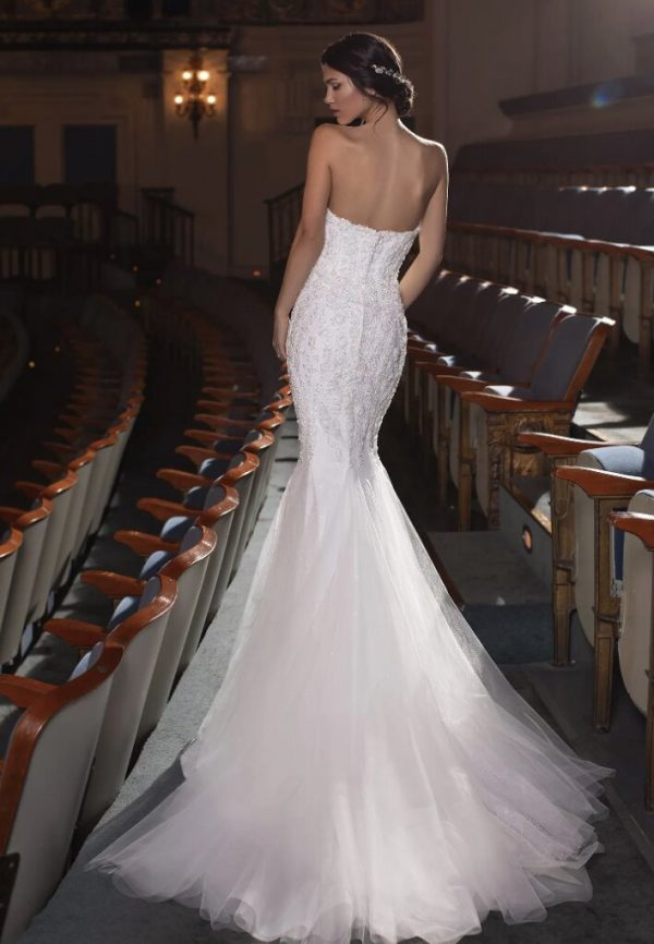 Mermaid Wedding Dress With Sweetheart Neckline, Open Back And Beading by Pronovias - Image 2