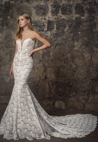 Strapless V-neck Scalloped Lace Mermaid Wedding Dress by Pnina Tornai