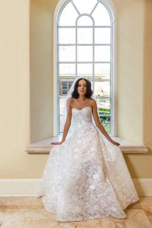 Strapless Sweetheart Neckline A-line Wedding Dress by Reem Acra - Image 1