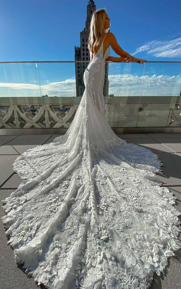 Sexy 3D Lace Wedding Dress With V-neck And Beading by Martina Liana - Image 2