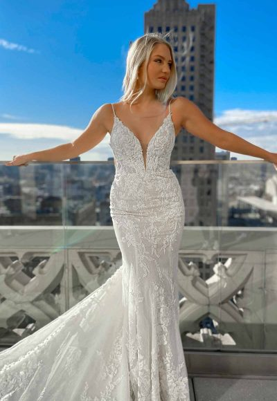 Sexy 3D Lace Wedding Dress With V-neck And Beading by Martina Liana