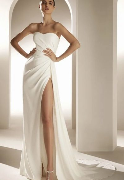 Flared Wedding Dress With Sweetheart Neckline And Open Back by Pronovias