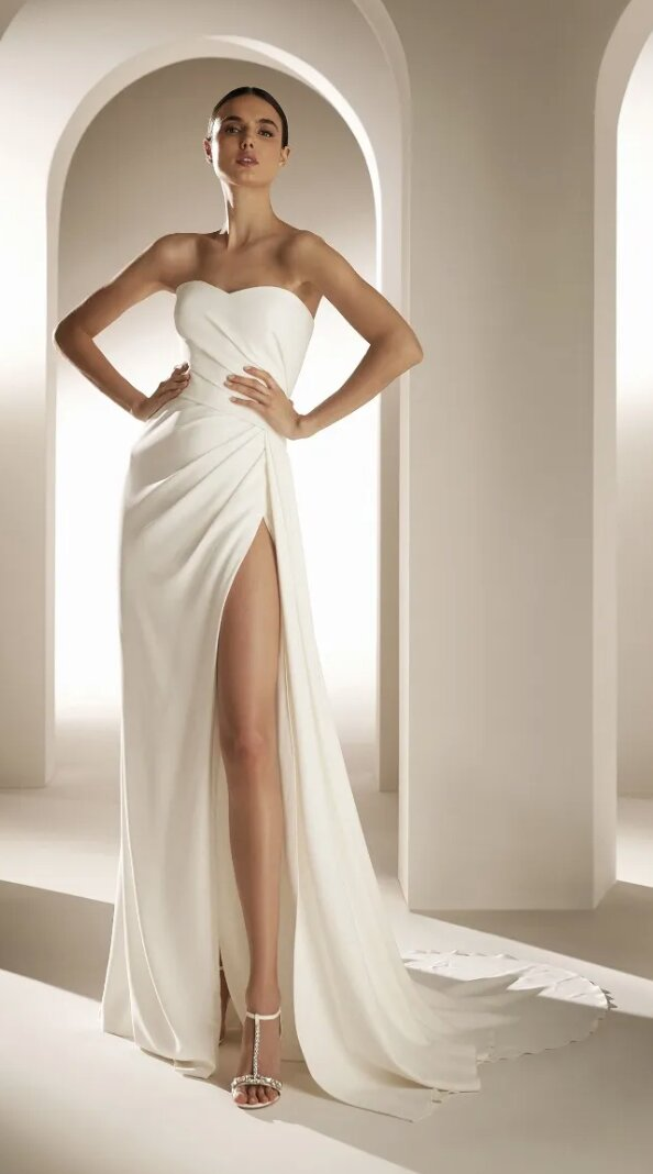 Flared Wedding Dress With Sweetheart Neckline And Open Back by Pronovias - Image 1