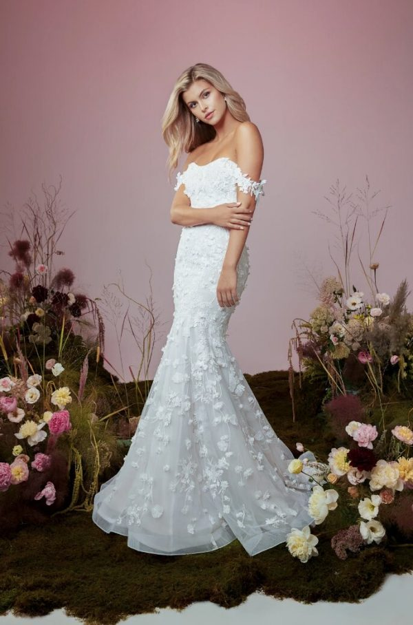 Strapless Sweetheart Neckline Mermaid Wedding Dress With Embroidered Lace And Detachable Sleeves by Anne Barge - Image 1